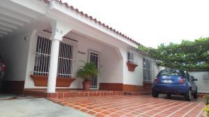 Casa En Ventaen Valencia, Trigal Norte, Venezuela, VE RAH: 21-4387