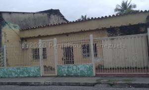 Casa En Ventaen Araure, Centro, Venezuela, VE RAH: 21-4498
