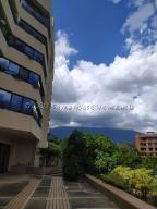Apartamento En Ventaen Caracas, Colinas De Valle Arriba, Venezuela, VE RAH: 21-4724