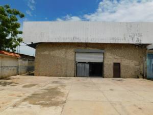 Galpon - Deposito En Alquileren Maracaibo, Kilometro 4, Venezuela, VE RAH: 21-4329