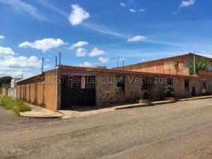 Casa En Ventaen Maracaibo, Cumbres De Maracaibo, Venezuela, VE RAH: 21-4333
