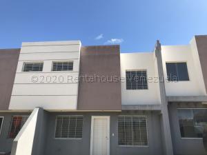 Casa En Ventaen Cabudare, Parroquia José Gregorio, Venezuela, VE RAH: 21-4361