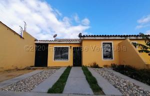 Casa En Ventaen Cabudare, El Amanecer, Venezuela, VE RAH: 21-4382
