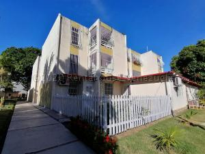 Apartamento En Ventaen Barquisimeto, Parroquia Santa Rosa, Venezuela, VE RAH: 21-4405