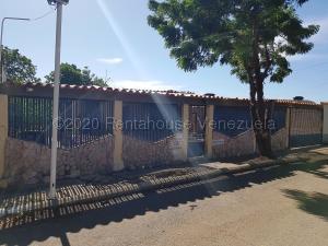 Casa En Ventaen Coro, Centro, Venezuela, VE RAH: 21-4920