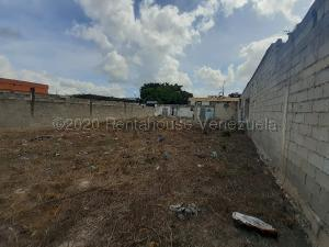 Terreno En Ventaen Cabudare, La Mata, Venezuela, VE RAH: 21-4453