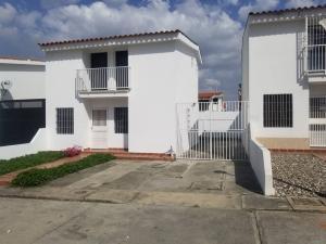 Casa En Alquileren Cabudare, Parroquia Cabudare, Venezuela, VE RAH: 21-4456