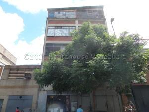 Edificio En Ventaen Caracas, Catia, Venezuela, VE RAH: 21-5299