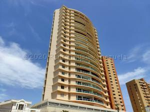 Apartamento En Ventaen Maracaibo, Avenida El Milagro, Venezuela, VE RAH: 21-4478