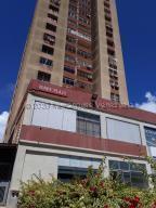 Apartamento En Alquileren Margarita, Avenida 4 De Mayo, Venezuela, VE RAH: 21-4749