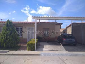 Casa En Ventaen Guacara, Ciudad Alianza, Venezuela, VE RAH: 21-4545