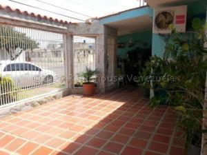 Casa En Ventaen Punto Fijo, Pedro Manuel Arcaya, Venezuela, VE RAH: 21-4559