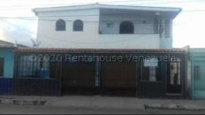 Casa En Ventaen Barquisimeto, Parroquia Union, Venezuela, VE RAH: 21-4572