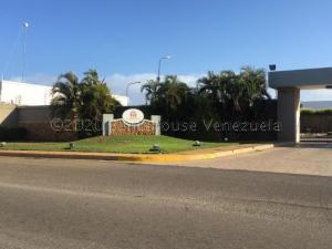 Terreno En Ventaen Punto Fijo, Terrazas Club De Golf, Venezuela, VE RAH: 21-4589