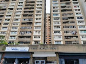 Apartamento En Ventaen Caracas, Parroquia La Candelaria, Venezuela, VE RAH: 21-4625