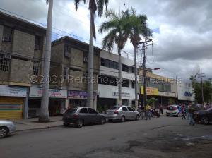 Apartamento En Ventaen Maracay, Zona Centro, Venezuela, VE RAH: 21-4626