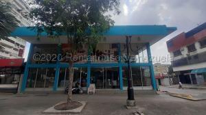 Local Comercial En Ventaen Valencia, Avenida Bolivar Norte, Venezuela, VE RAH: 21-4520