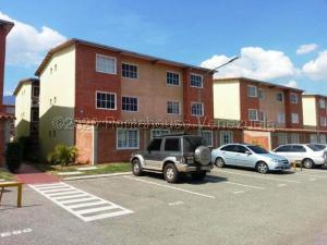 Apartamento En Ventaen Guatire, Alto Grande, Venezuela, VE RAH: 21-4630