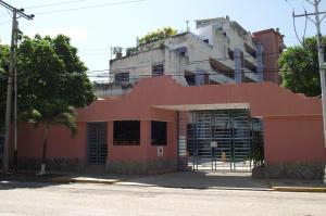 Apartamento En Ventaen Higuerote, Agua Sal, Venezuela, VE RAH: 21-4644
