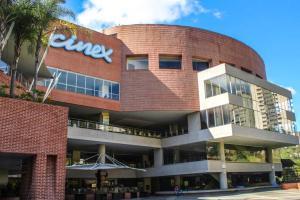 Local Comercial En Ventaen Caracas, Manzanares, Venezuela, VE RAH: 21-4646