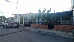 Casa En Ventaen Turmero, Villas Del Este, Venezuela, VE RAH: 21-4653