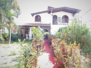 Casa En Ventaen Maracay, Andres Bello, Venezuela, VE RAH: 21-4696