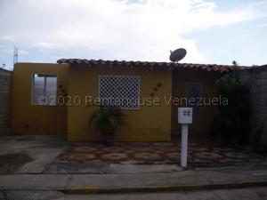 Casa En Ventaen Santa Teresa, La Raiza, Venezuela, VE RAH: 21-4707