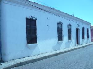 Local Comercial En Ventaen Coro, Zona Colonial, Venezuela, VE RAH: 21-4741