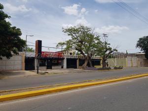 Local Comercial En Ventaen Coro, Sector Bobare, Venezuela, VE RAH: 21-4986