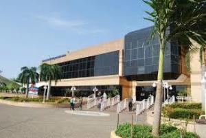 Local Comercial En Ventaen Maracaibo, Avenida El Milagro, Venezuela, VE RAH: 21-4805