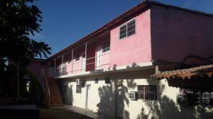 Casa En Ventaen Coro, Intercomunal Coro La Vela, Venezuela, VE RAH: 21-4849