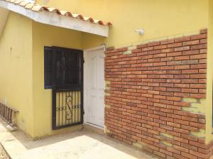 Casa En Ventaen Coro, Intercomunal Coro La Vela, Venezuela, VE RAH: 21-4853