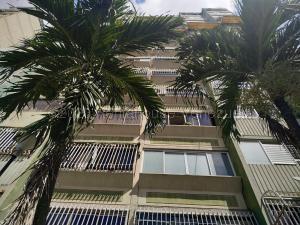 Apartamento En Ventaen Municipio Naguanagua, La Granja, Venezuela, VE RAH: 21-4832