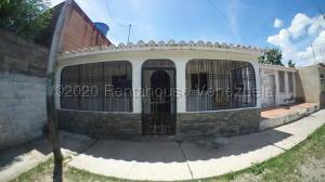 Casa En Ventaen Cabudare, El Trigal, Venezuela, VE RAH: 21-4790