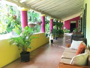 Casa En Ventaen Pueblo Nuevo, Pueblo Nuevo, Venezuela, VE RAH: 21-4919