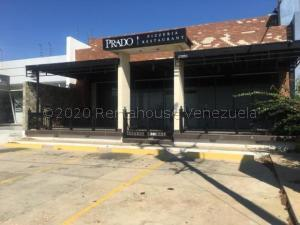 Local Comercial En Ventaen Punto Fijo, Los Caciques, Venezuela, VE RAH: 21-4932