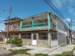 Casa En Ventaen Valencia, La Isabelica, Venezuela, VE RAH: 21-5294