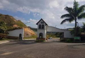 Apartamento En Ventaen Los Teques, El Solar De La Quinta, Venezuela, VE RAH: 21-4954