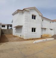 Casa En Ventaen Coro, Sector San Bosco, Venezuela, VE RAH: 21-4978