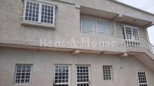 Apartamento En Ventaen Ciudad Ojeda, Barrio Libertad, Venezuela, VE RAH: 21-5019