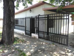 Casa En Ventaen Ciudad Ojeda, Intercomunal, Venezuela, VE RAH: 21-5038