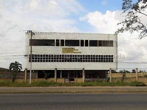 Edificio En Ventaen El Tigre, Sector Avenida Intercomunal, Venezuela, VE RAH: 21-5048