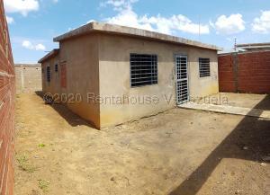 Casa En Ventaen Coro, Sector Los Perozos, Venezuela, VE RAH: 21-5085
