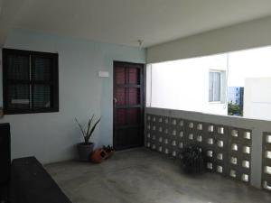 Apartamento En Ventaen Cabimas, Zulia, Venezuela, VE RAH: 21-5097