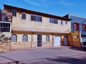 Apartamento En Alquileren Maracay, El Limon, Venezuela, VE RAH: 21-5106
