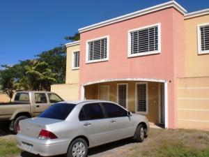 Casa En Ventaen Guatire, Estancia Las Margaritas, Venezuela, VE RAH: 21-5151