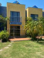 Apartamento En Ventaen Higuerote, Puerto Encantado, Venezuela, VE RAH: 21-5168