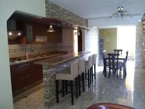 Casa En Ventaen Barquisimeto, Hacienda Yucatan, Venezuela, VE RAH: 21-5179