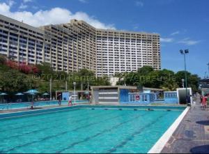 Apartamento En Ventaen Parroquia Caraballeda, Los Corales, Venezuela, VE RAH: 21-5303
