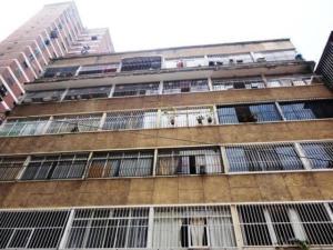 Apartamento En Ventaen Caracas, Parroquia La Candelaria, Venezuela, VE RAH: 21-5213